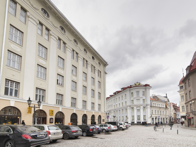 Classic Two-Bedroom Apartment – Old Town